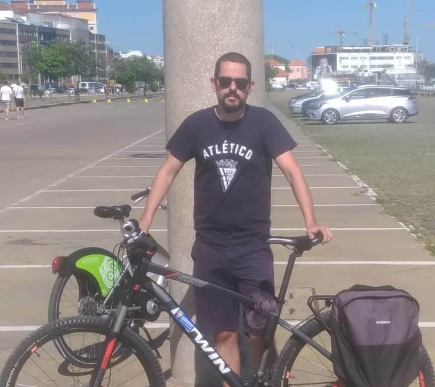 bike commuter in portugal